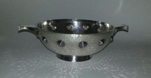 arts and crafts silver HAMILTON AND INCHES, EDINBURGH SILVER QUAICH (item #1159)