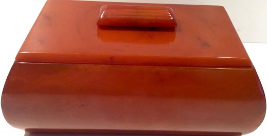 Bakelite ART DECO AMBER CARVERCRAFT CIGAR BOX (item #1777)